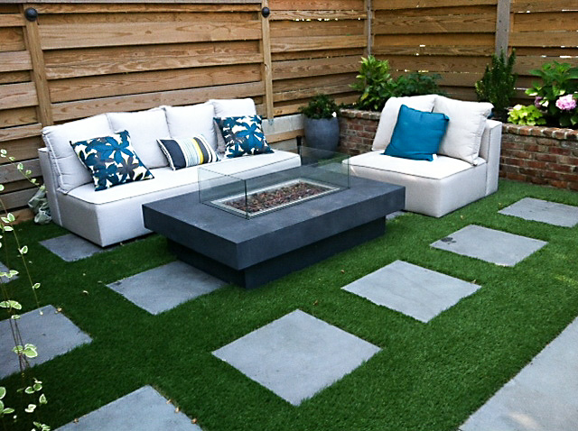 For Urban Gardens, Which Can Typically Be Small, Artificial Grass Is A  Great Choice. Thereu0027s No Need For Irrigation Systems Or A Lawn Mower.